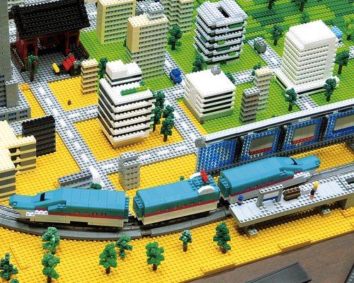 Nanoblock nanoGauge Shinkansen Series E5 Hayabusa Electric Train