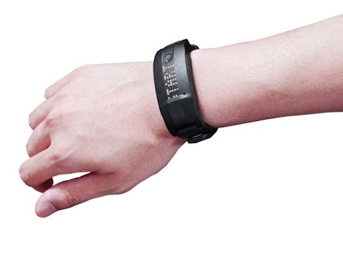 Toshiba Slimee W21 Activity Tracker Smartband